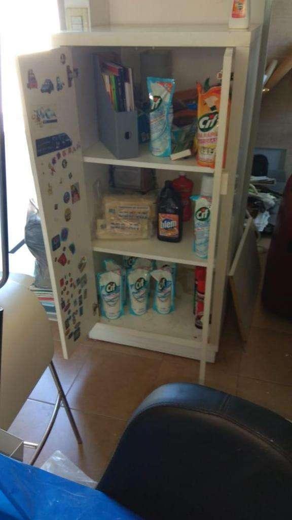 mueble para cocina madera , 3 estantes con puertas - La Plata
