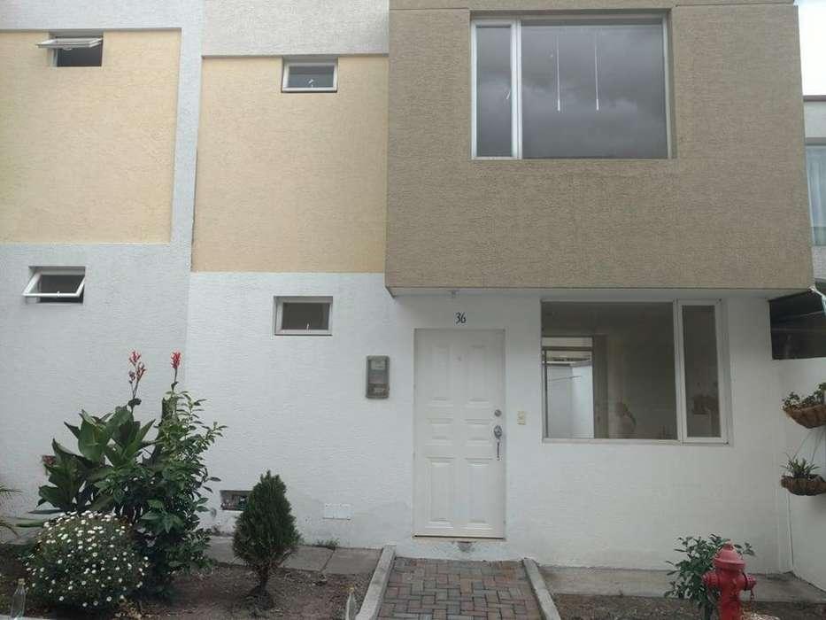 Vendo Casa en Conjunto residencial, Valle de los Chillos