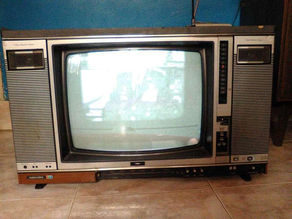 Televisor antigüo challenger