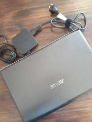 VENDO NOTEBOOK ASUS I5 - EXCELENTE ESTADO
