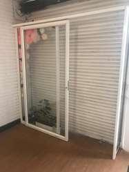 puerta de vidrio corrediza