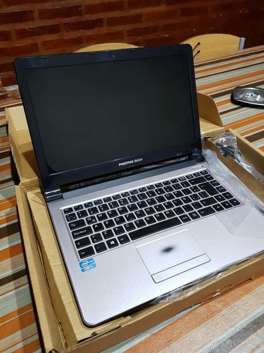 Vendo Notebook I7 4gb Ram 1tb