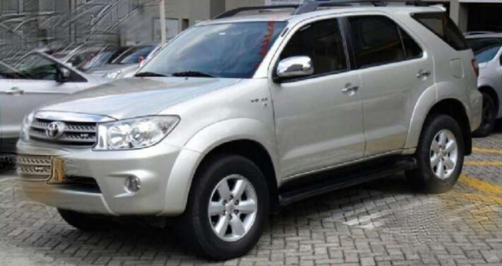 <strong>toyota</strong> Fortuner 2011 - 159000 km