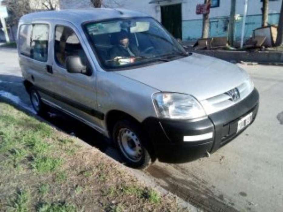 Peugeot Partner 2013 - 185000 km
