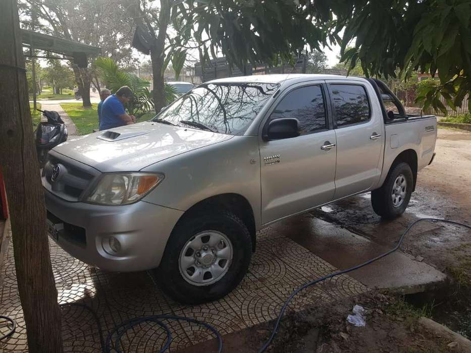 Toyota Hilux 2007 - 225000 km