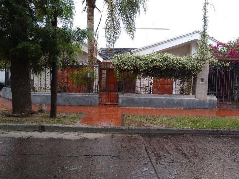 VENDO casa en B Belgrano