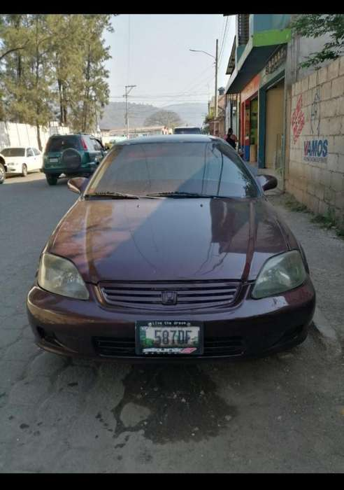 Honda Civic 2000 - 170000 km