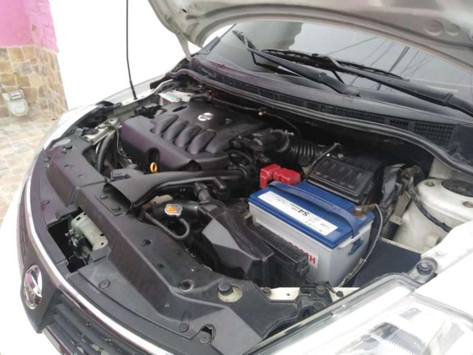 Nissan Tiida 2009 - 108600 km
