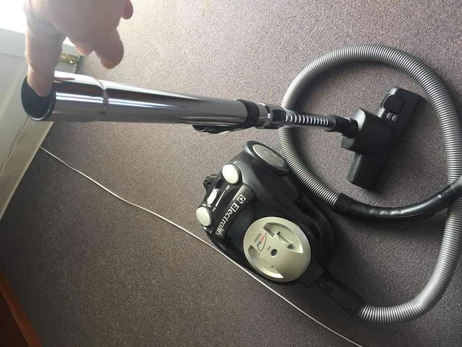 <strong>aspiradora</strong> Electrolux 1600W