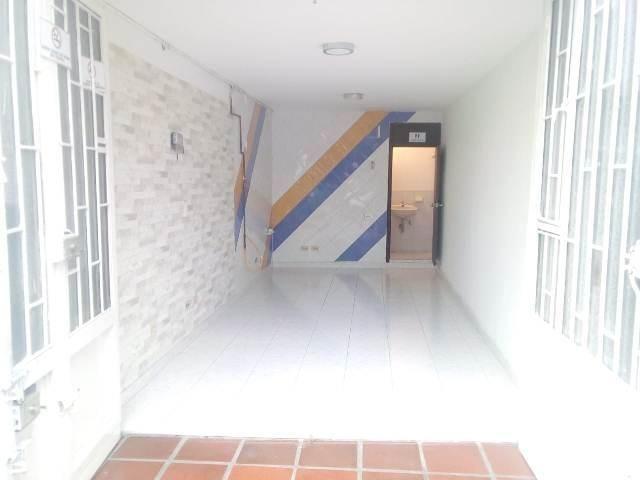 ARRIENDO LOCAL COMERCIAL EN LA CARRERA 20 CON 168