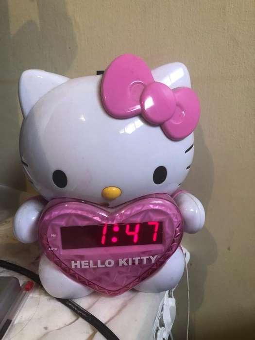 Radio Reloj Hello Kitty