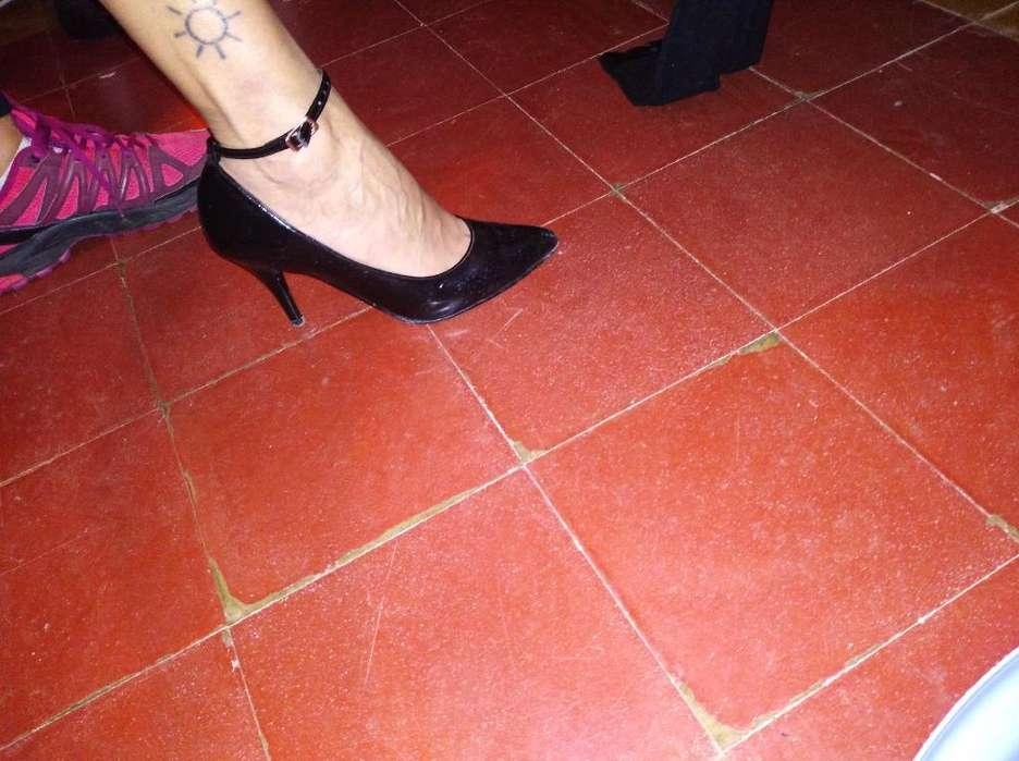 Zapatos Stilettos con <strong>pulsera</strong>