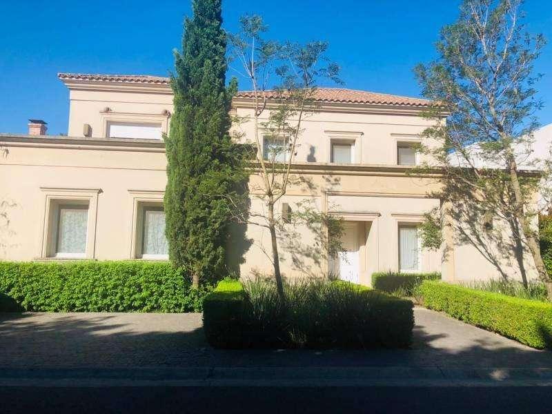 Alquiler moderna casa barrio Privado La Horqueta