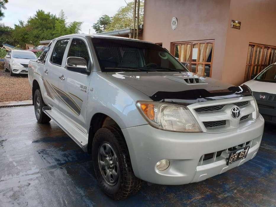 Toyota Hilux 2007 - 987789 km