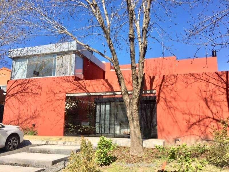 Excelente casa en Santa Barbara desde el 11/2 al 3/3