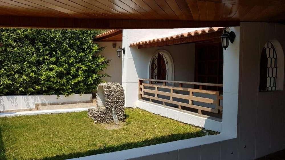 Se arrienda <strong>casa</strong> amplia en Santa Marta. - wasi_1287047