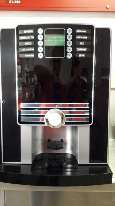 Maquina italiana de café en grano o soluble