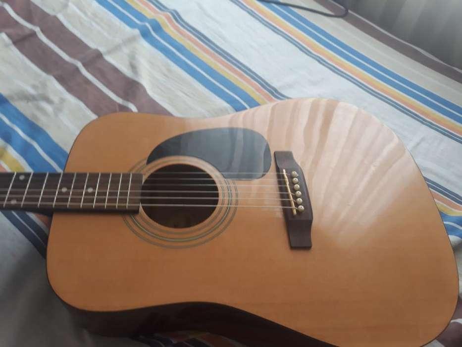Vendo Guitarra Squier Fender Acustica