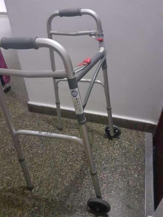 Andador Ortopedico de Adulto