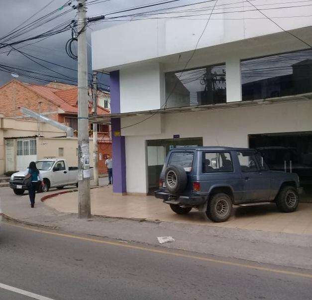 LOCAL COMERCIAL SUPER AMPLIO EN ARRIENDO CON DEPARTAMENTO MONAY SHOPPING