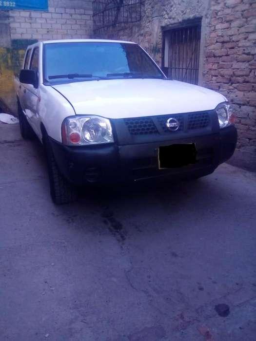 Nissan Frontier 2013 - 238984 km