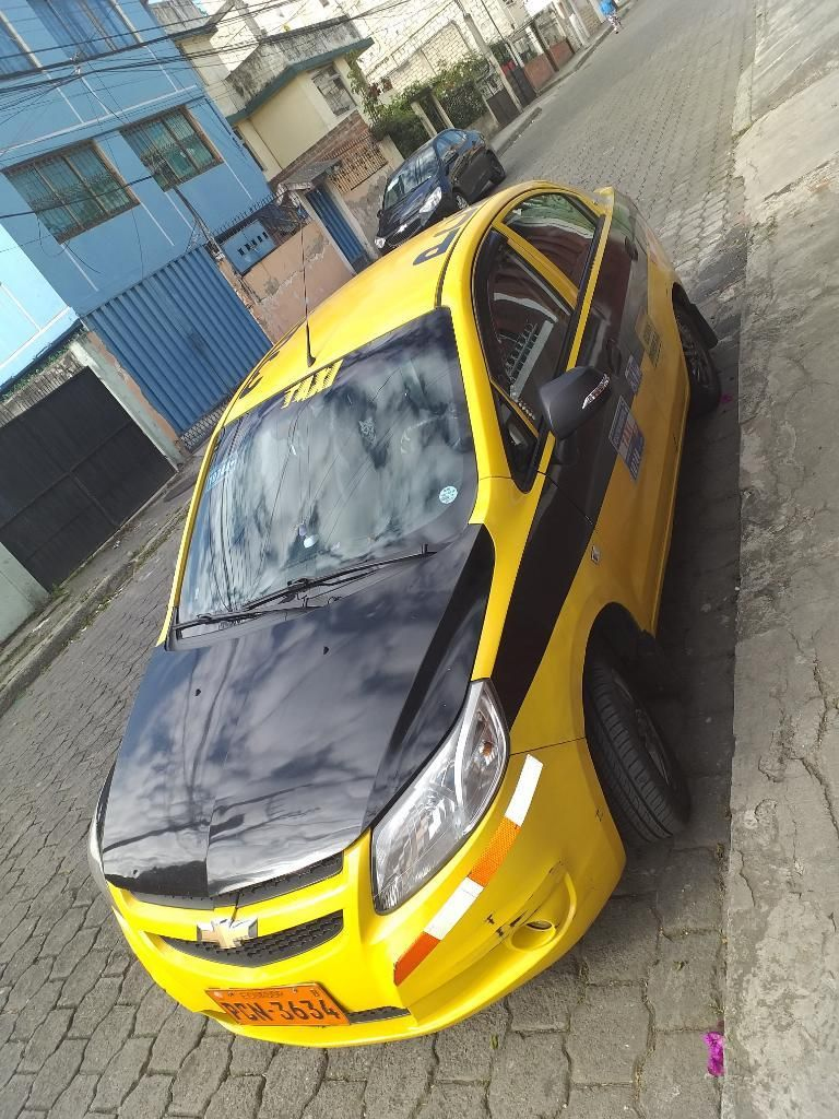 Vendo Taxi ..sail 2015 152mil Km.