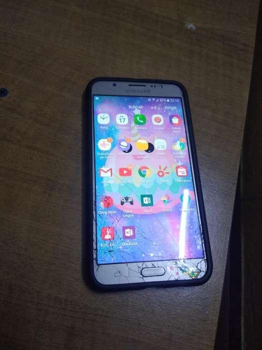 Samsung J7 Detalle La <strong>camara</strong> de Adelante