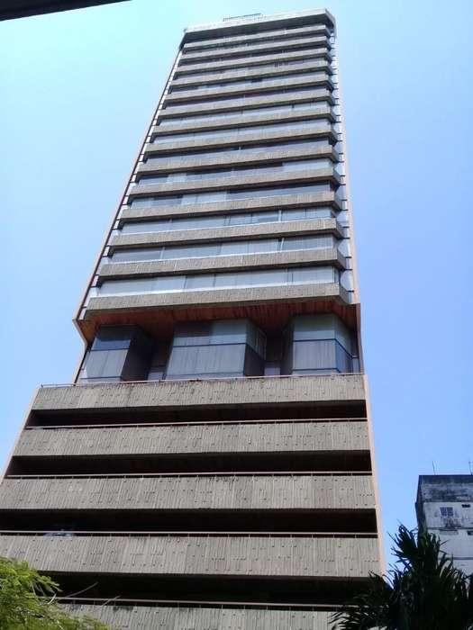 Oficinas <strong>edificio</strong> FINANSUR Av. 9 de Octubre - A. Salvador