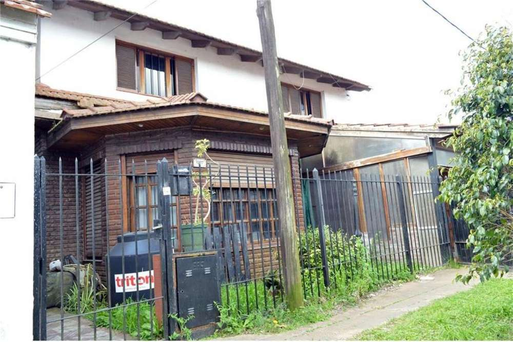 Vendo casa grande en La Plata. Zona Carrefour Tolosa
