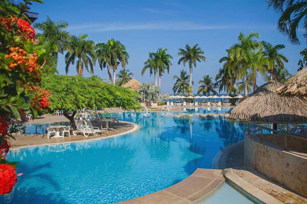 Arriendo suite completa por toda la SEMANA DEL 22 AL 29 DE MARZO DEL 2020 en el Hotel Zuana Beach Resort Torre Nueva
