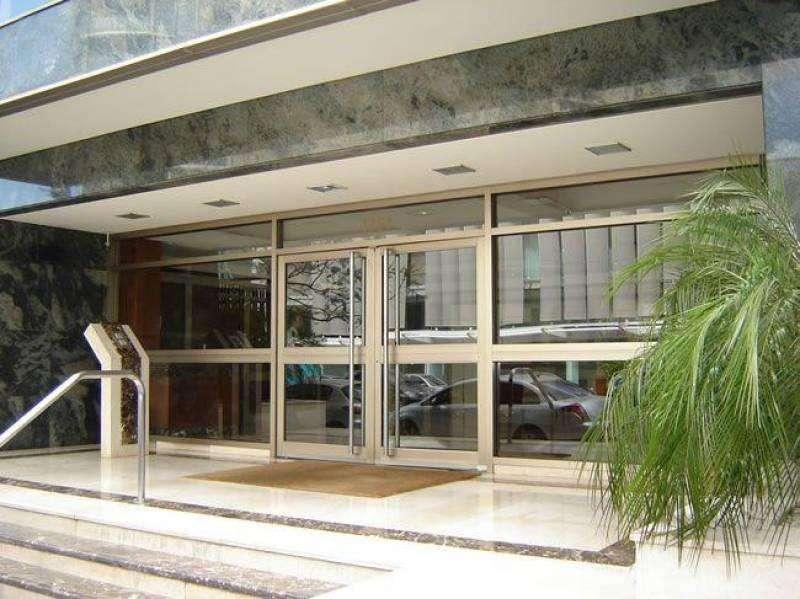 Excelente departamento 3 ambientes amoblado frente balcón cochera fija