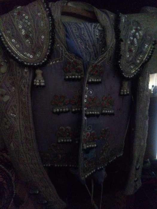 Vendo hermosos trajes taurinos para coleccionistas slo WhatsApp