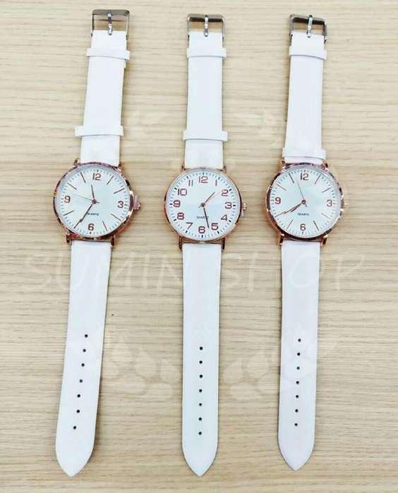 Reloj Dama Cambia de Color