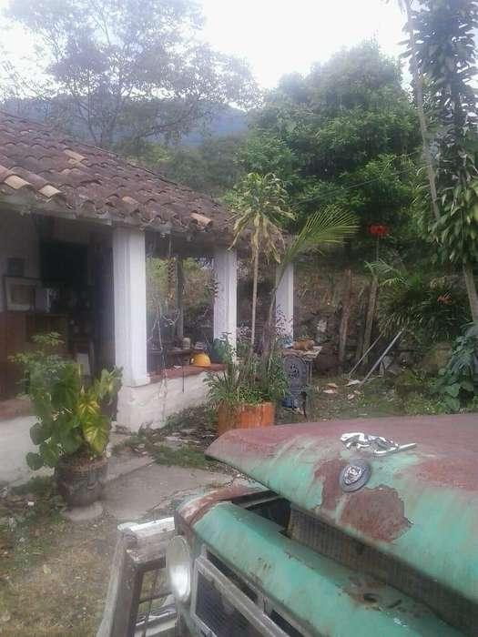 Casa Lote Sector Loma Del Escobero. Código 757691