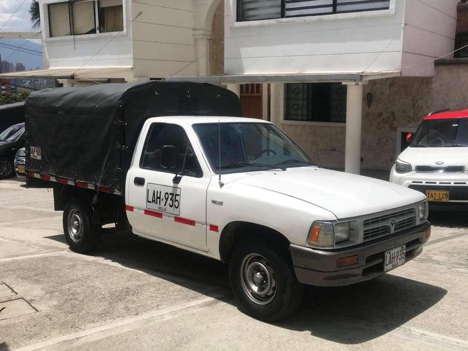Toyota Hilux 1994 - 160000 km