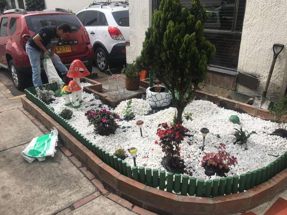 Piedra blanca jardinera