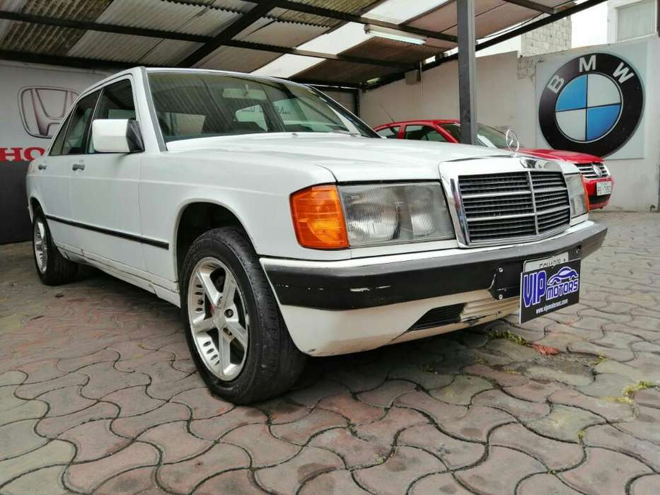Mercedes-Benz Clase E 1986 - 240000 km