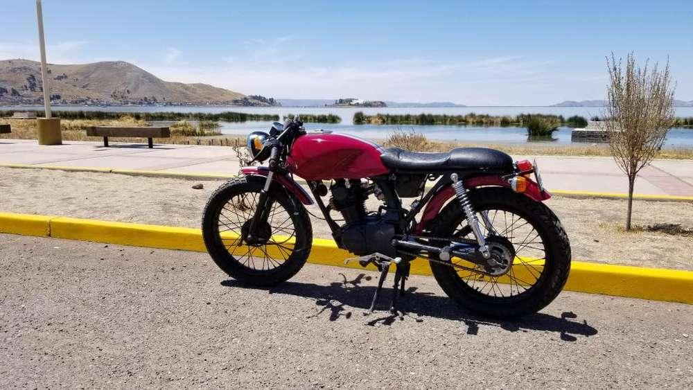 Motocicleta Honda (en venta)