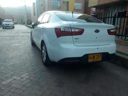 VENDO HERMOSO KIA RIO VERSION UB EX 2014