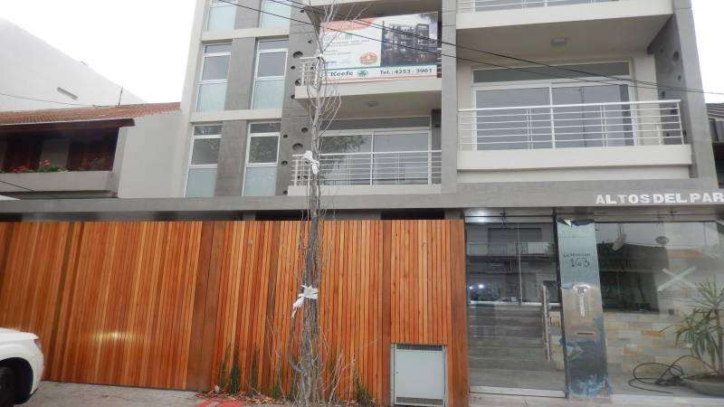 Alquiler Mono ambiente en Bernal Barrio Parque - Apto Uso Profesional