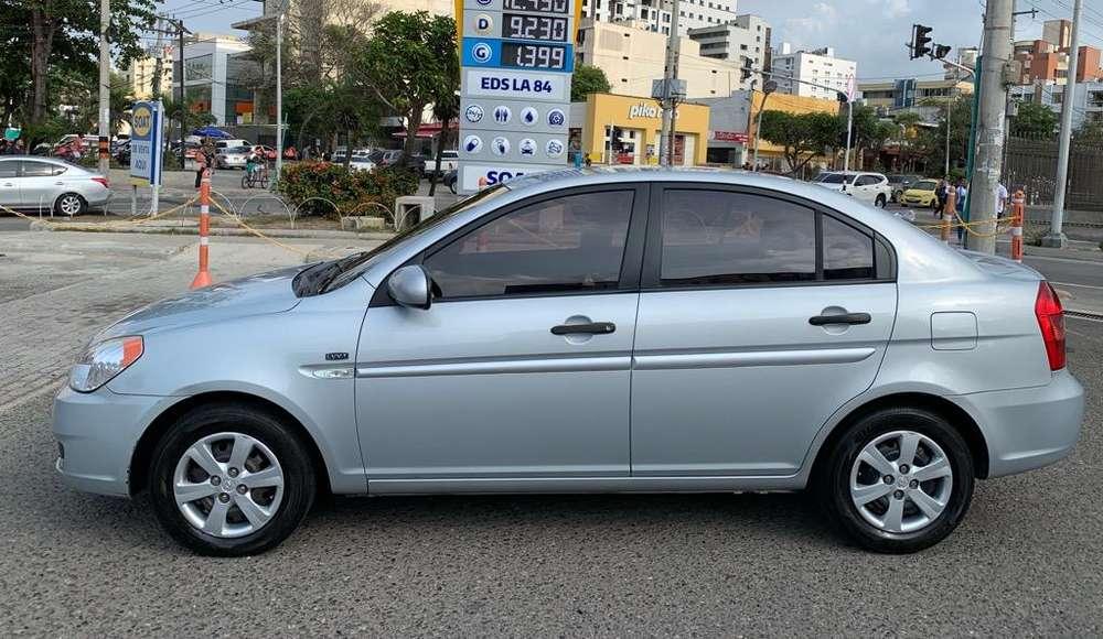 Hyundai Accent 2010 - 104000 km