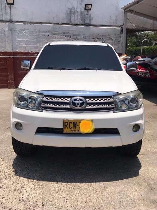 Toyota Fortuner 2010 - 81000 km