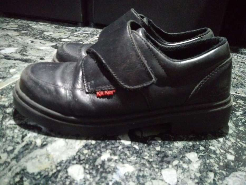 c10f50ff Zapatos <strong>kickers</strong> Negros Numero 34