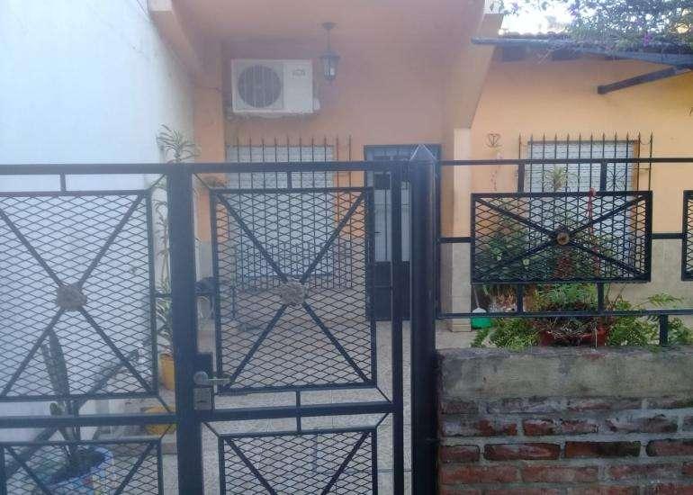 Casa PH ubicada en Calle Agustín Pedemonte N 2670, Bernal