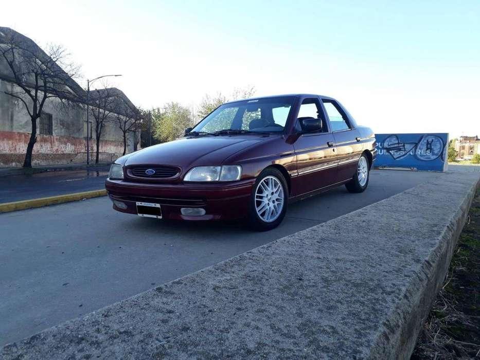 Ford Otro 1996 - 130000 km