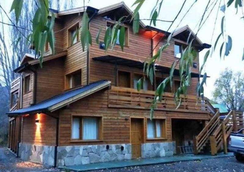 Cochera cubierta en Barrio la Cascada