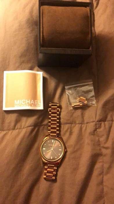 Reloj MK DKNY y lentes guess