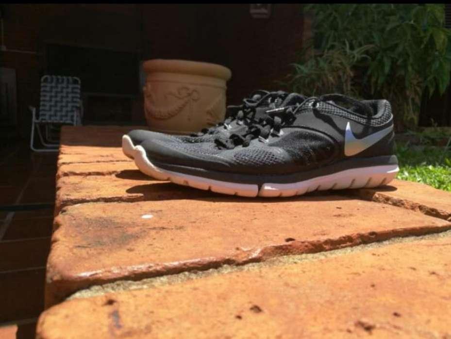 0dcb07378c Run run nike  Ropa y Calzado en Argentina
