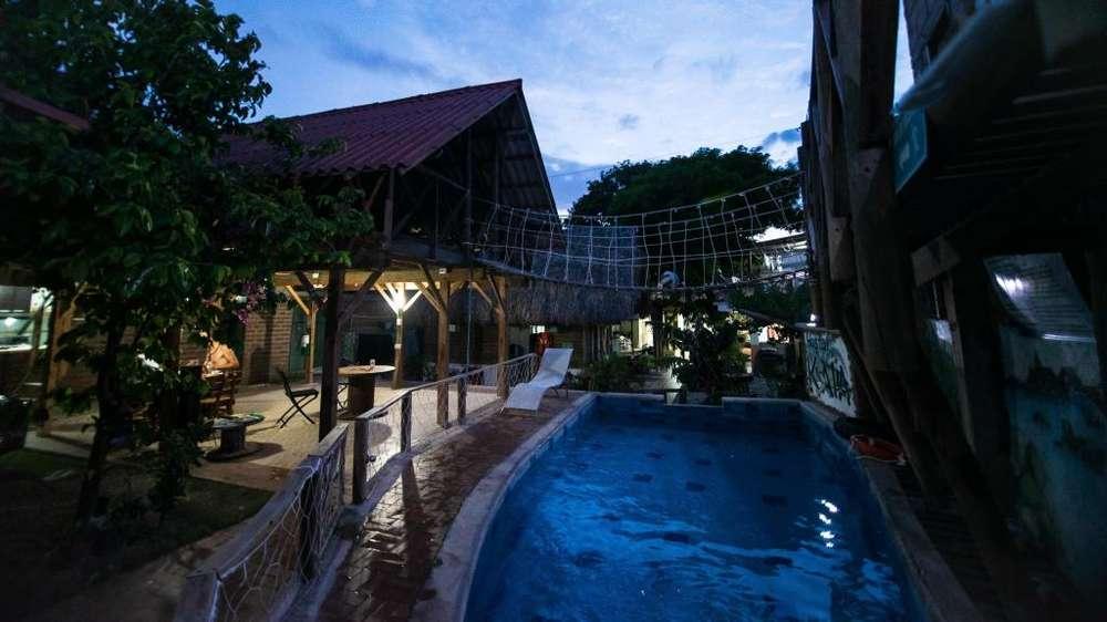 Hospedaje bien ubicada en Santa Marta con piscina, billar y amplias zonas verdes