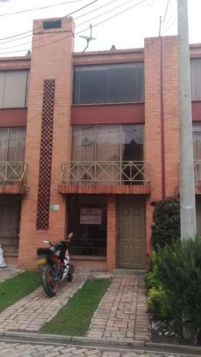Arriendo Hermosa Casa en Chía